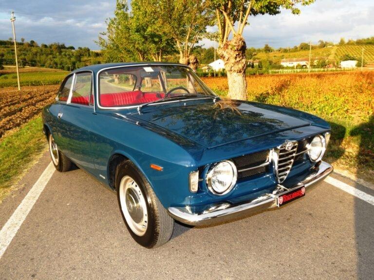 (Italiano) Alfa Romeo Giulia GT 1300 Junior '66