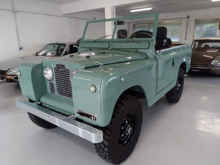 (Italiano) Land Rover Series 2A Benzina