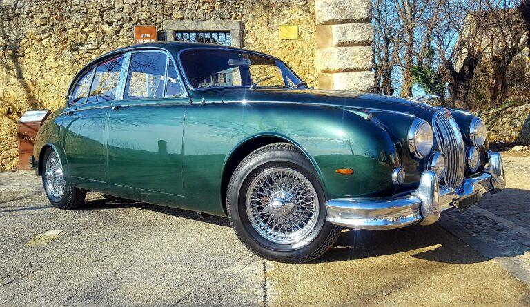 (Italiano) Jaguar mk2 3.8